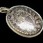 Large Antique Victorian 9k Rose Gold Back & Front Etched Locket