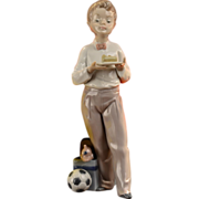 Lladro Guest of Honor Figurine #01005877