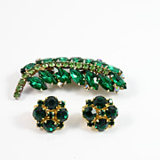 Vintage Kramer Emerald Green Brooch Pin and Clip Earrings Set