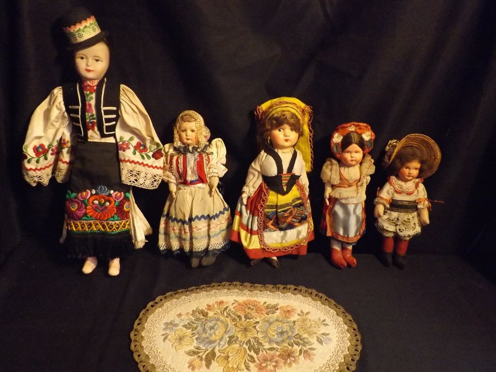 Five wonderful regional dolls of the 1930s