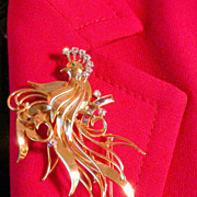 REDUCED Retro sapphire and diamond 18 carat yellow gold bird Brooch