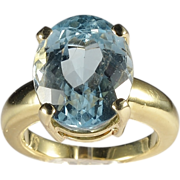 Estate 16 carats  Blue Topaz 18 k yellow gold cocktail ring