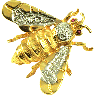 Vintage 14k Gold Fly Brooch
