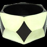 Harlequin Celluloid Bangle Bracelet Plastic Bakelite Vintage Black White NA 908K
