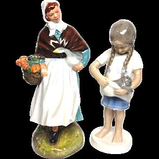 Royal Daulton Country Lass B & G Little Mother Figurine Set Porcelain NA 911 Z