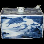 Small Japanese Blue and White Porcelain Sake Cask, Edo Period (18th Century)