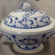 Blue Onion Large Oval Tureen Fruit Finial Unmarked