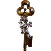 Vintage Signed Coro Pegasus Key Brooch With Rhinestone Flower Bouquet