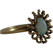 10K Yellow Gold Ring with opal