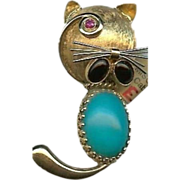 Estate Unique 1955 18 Karat Yellow Gold Turquoise, Oval Cabochon Onyx & Ruby Cat Pin