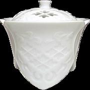 SALE Japanese Contemporary Arita yaki 有田焼 White Porcelain Koro or Incense Burner