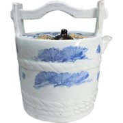 SALE Japanese Antique Arita Mikawachi Hirado 平戸 Rare Porcelain of a Mizu baketsu or Water