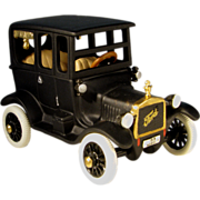 """Department 56 """"1919 Ford Model-T"""""""