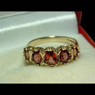 SALE Pretty Vintage 9ct Gold 5-Stone Garnet Gemstone Ring.