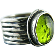 Vintage Sterling Silver Ring With Peridot Glass Stone Size 7 1/4