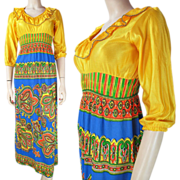 1970's Vintage Maxi Dress With Ruffled Collar And Printed Skirt
