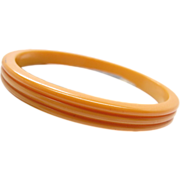Vintage Carved Butterscotch Bakelite Bangle Bracelet