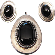 Vintage Sterling Silver Onyx Pendant And Post Earrings Set