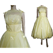 Vintage 1950s Dress//50s Bubble Dress//Yellow//Party Dress//Prom//Wedding//50s Dress