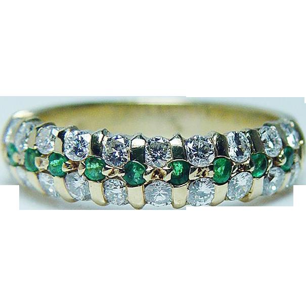 designer vintage quality emerald ring 18k gold