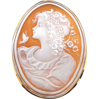 Colassal Vintage Shell Cameo Brooch 18K Yellow Gold