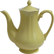 Buttercup Federalist Ironstone  lemon yellow Coffee Pot or Teapot made in Japan 9 1/2 ...