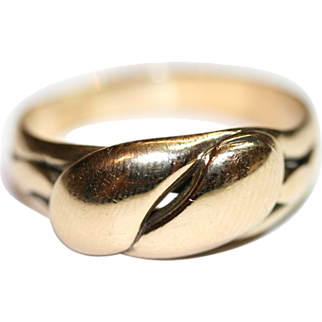 Antique Victorian 18 carat yellow gold double serpent/snake ring