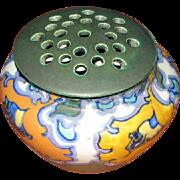 """Rare Gouda """"Hunze"""" Flower Bowl – Frog Top"""