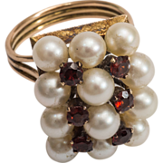 lady's 14K yellow gold  cultured pearl and garnet ring