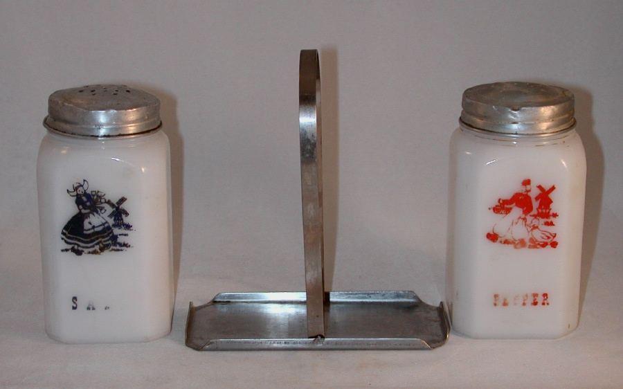 VINTAGE MILK Glass Salt and Pepper Shaker Set - Red.