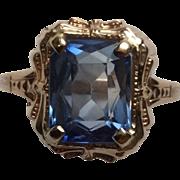 SALE Vintage 14K Yellow Gold Blue Topaz Ladies Ring Size 8.25