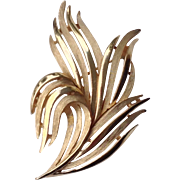 Sophisticated Vintage Signed Crown Trifari Gold Tone Swirl Brooch
