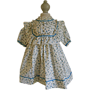 ***Sweet cotton dress...with little blue flowers*****
