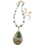Green Owl and Shell Pendant with Tree Agates Necklace and Earrings