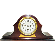 191) Vintage USA Made Art Deco Style Wooden Mantel Clock-Great Condition-Working Great! Comes