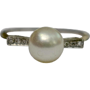 A Vintage Cultured Pearl and Diamond 18KT White Gold Ring