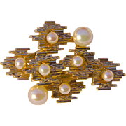 A Vintage Signed1966 Christian Dior Gold Tone and Pearl brooch Pin