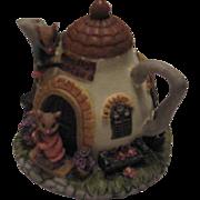 Vintage 1993 Dezine Ltd (Moussy Lodge) Figurine Tea Pot