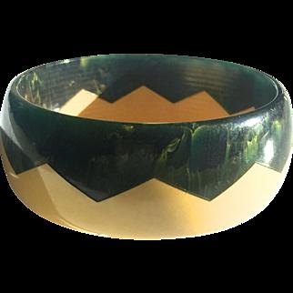 Bakelite Bangle Bracelet Carved ZigZag Pattern
