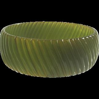 Bakelite Bangle Bracelet Translucent Rib Carved