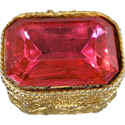 Vintage Yellow Gold tone Large Faceted Magenta Pink Glass Stone Fancy Etched Hinged Trinket Pill Box      #561