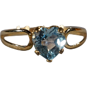 SALE Vintage Band Ring 10 K Yellow Gold Prong Set  Heart Blue Topaz Fancy Band Ring, Size 7.5