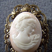SALE Vintage fancy detailed bold cameo filigree pin brooch