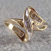10K Gold 12 Diamond Engagement Right Hand Ring, Size  7