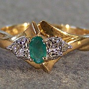 Vintage 10K Yellow Gold Oval Emerald Diamond Ring, Size 7