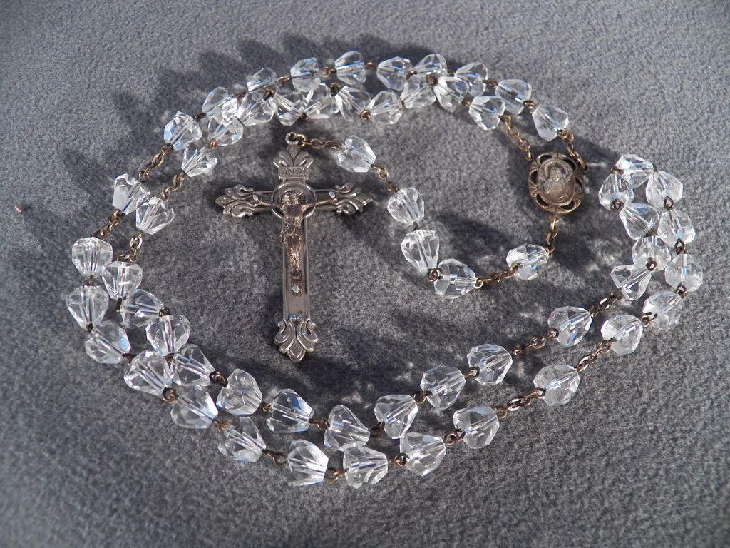 Vintage Silver Tone Crystal Glass Cone Shaped Bead Rosary Cross