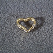 Vintage 14 K Yellow Gold Floating Heart  Pendant Charm Round Cut Diamond