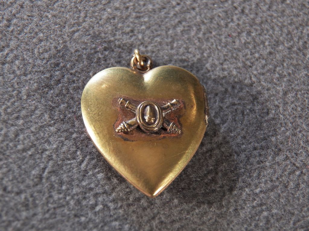 Vintage Gold Filled Genuine Mother of Pearl Heart Locket on One Side, Striking Heraldic Design on Reverse Side, Unique & So Versatile!~~