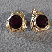 Vintage 14 K Yellow Gold Round Rhodolite Garnet Dimensional Bold Stud Pierced Earrings