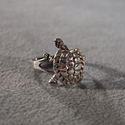 SALE Vintage Sterling Silver Bold Wide Fancy Etched Articulated Turtle Design Band Ring, Size